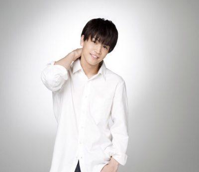 岩田さんが菅野美穂さん演じる主人公の幼馴染であり、体操教室のコーチでもある生方航平(うぶかたこうへい)。